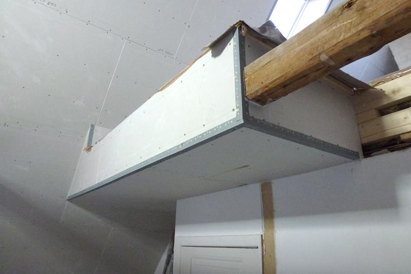 Montering af gips skørt og spartelkanter på etage adskilelse