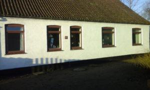 Før udskiftning af teak-træs vinduer
