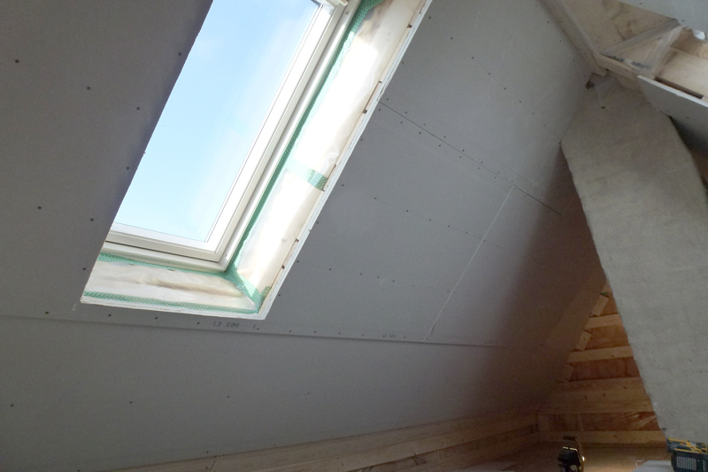 Tilpasning af gips ved Velux vindue