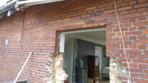 Nedbrydning af mur