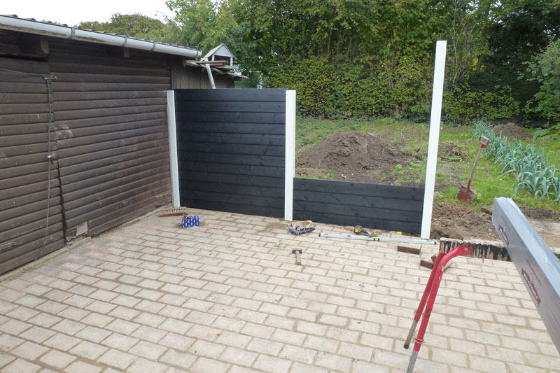 Frøslev hegn opsat og monteret af Tømrermester Niels