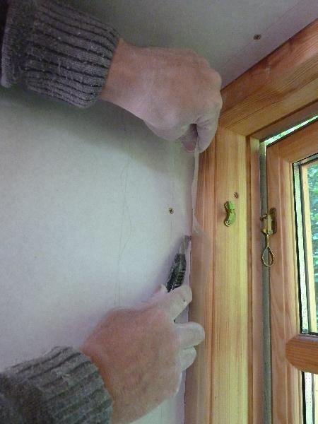 Dampspærre klemt mod vindue