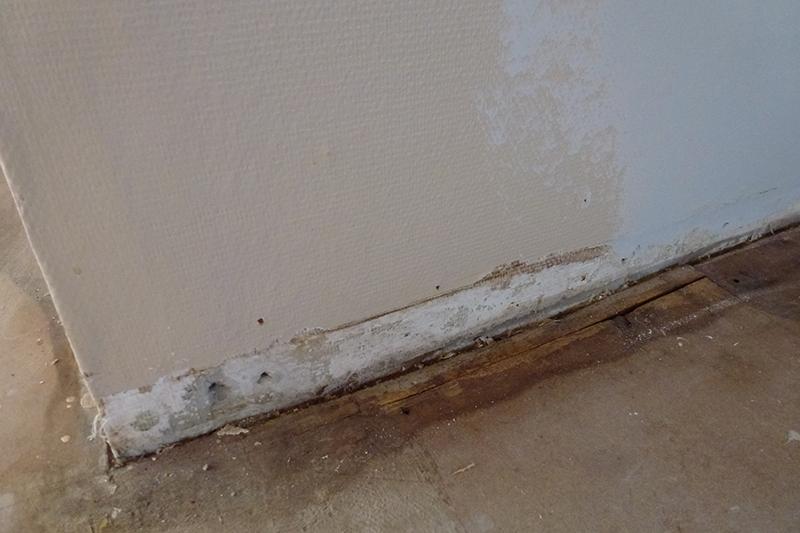 Fugt skade mod badeværelse